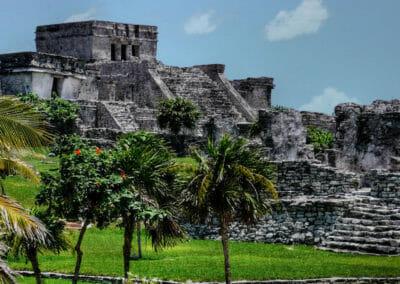 Tulum: Mayan Pyramid