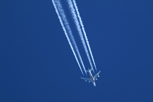 Lessening the Impact of Flying on the Environment - Jet Contrails
